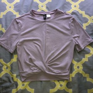 H&M Size M Lavender Criss Cross Cropped Tee